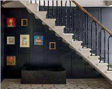 楼梯背景墙这样设计实用又美观